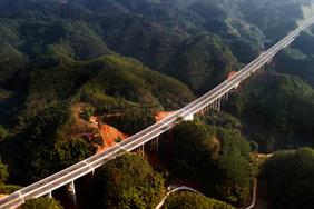 四川樂自高速公路樂山城區連接線公路